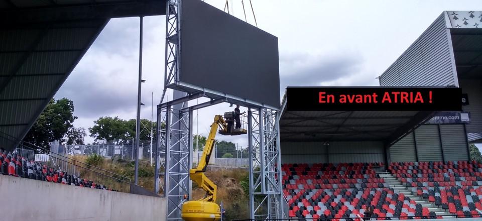 Réalisation d'une enseigne de stade de football